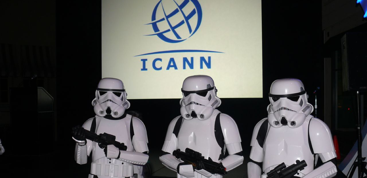 Les Stormtroopers défendent l'ICANN